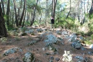 Riksos'a tahsis edilen parsele yak. 50 m mesafede yer alan yapı kalıntısı