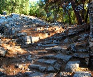 Akropolis'e çıkan merdivenler