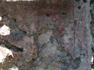 Akropolis üzerinde yer alan küçük bir hamam fresko